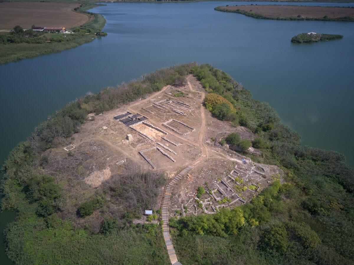 Археологически резерват Дуранкулак